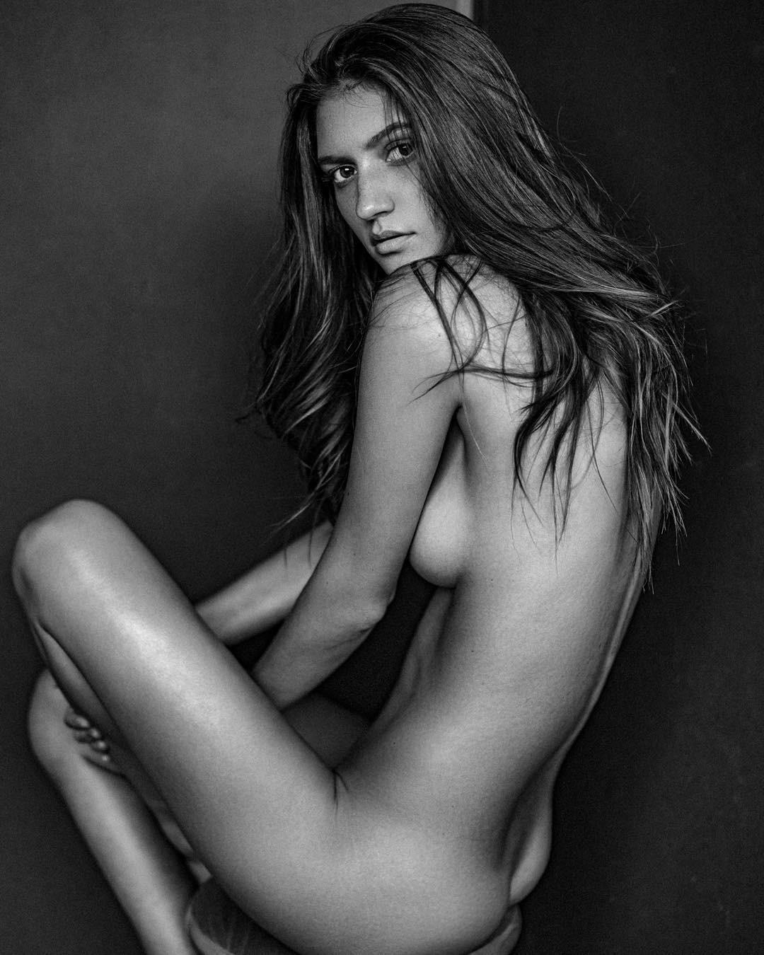Hottest female supermodels naked #3