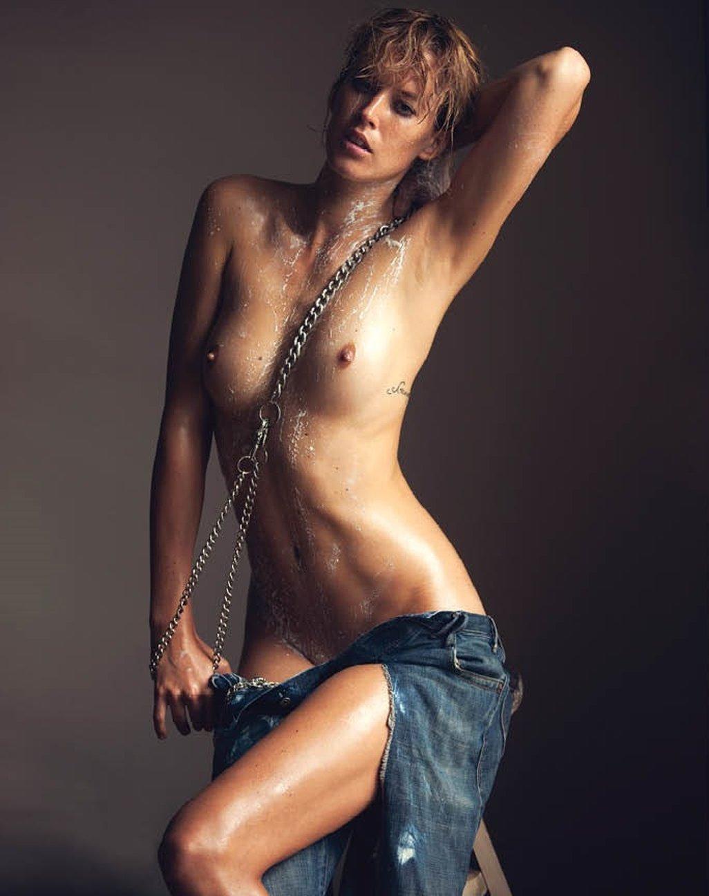 Nackt  Cisco Tschurtschenthaler Naked Cisco