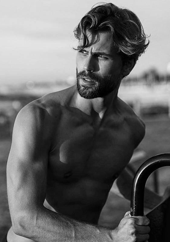 Superbe   Model: Bruno Piedade